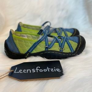 J-41 Womens Barefoot Waterproof Shoe